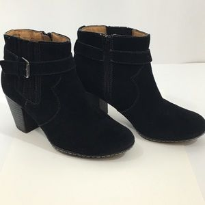 "BASS ""Brenna"" Black Suede Booties Size 8"